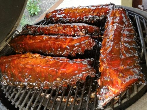 Spareribs dik bevleesd op de BBQ